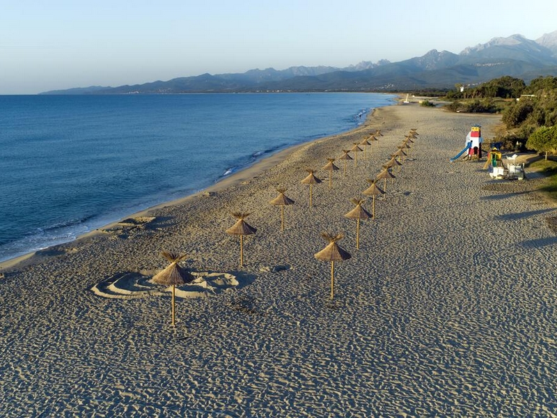 Plage accessible depuis le camping Arinella Bianca